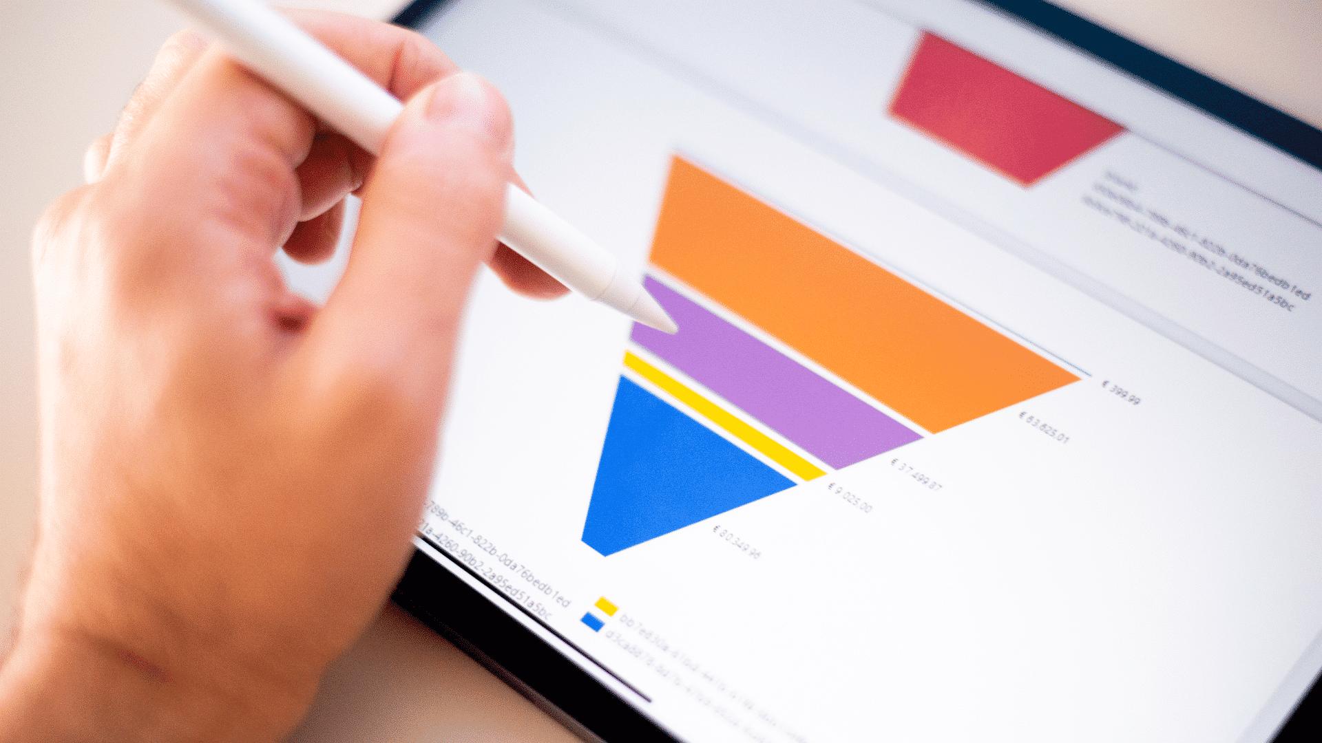 Immagine di un funnel di web marketing in un tablet